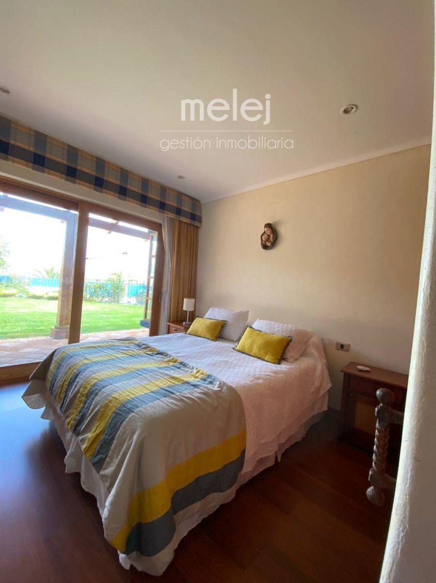12 de 29: Dormitorio con salida a la terraza