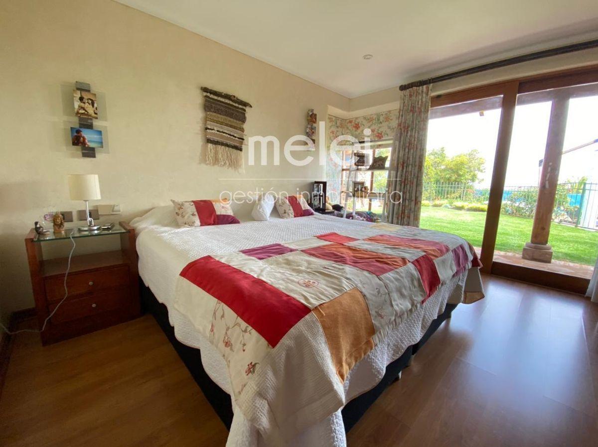 13 de 29: Dormitorio con salida a la terraza