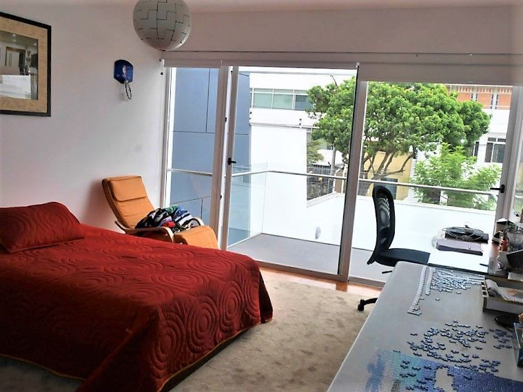 19 de 22: Dormitorio secundario N°4 con balcón