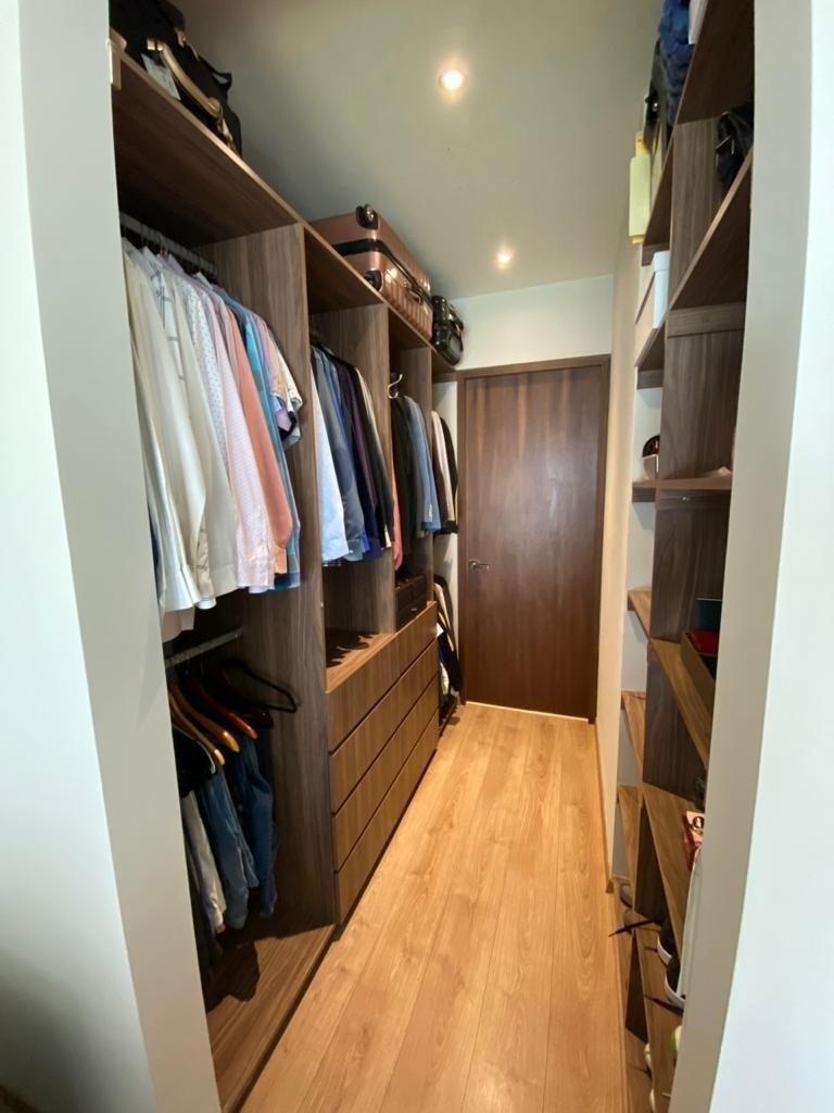 9 de 17: Walk in closet