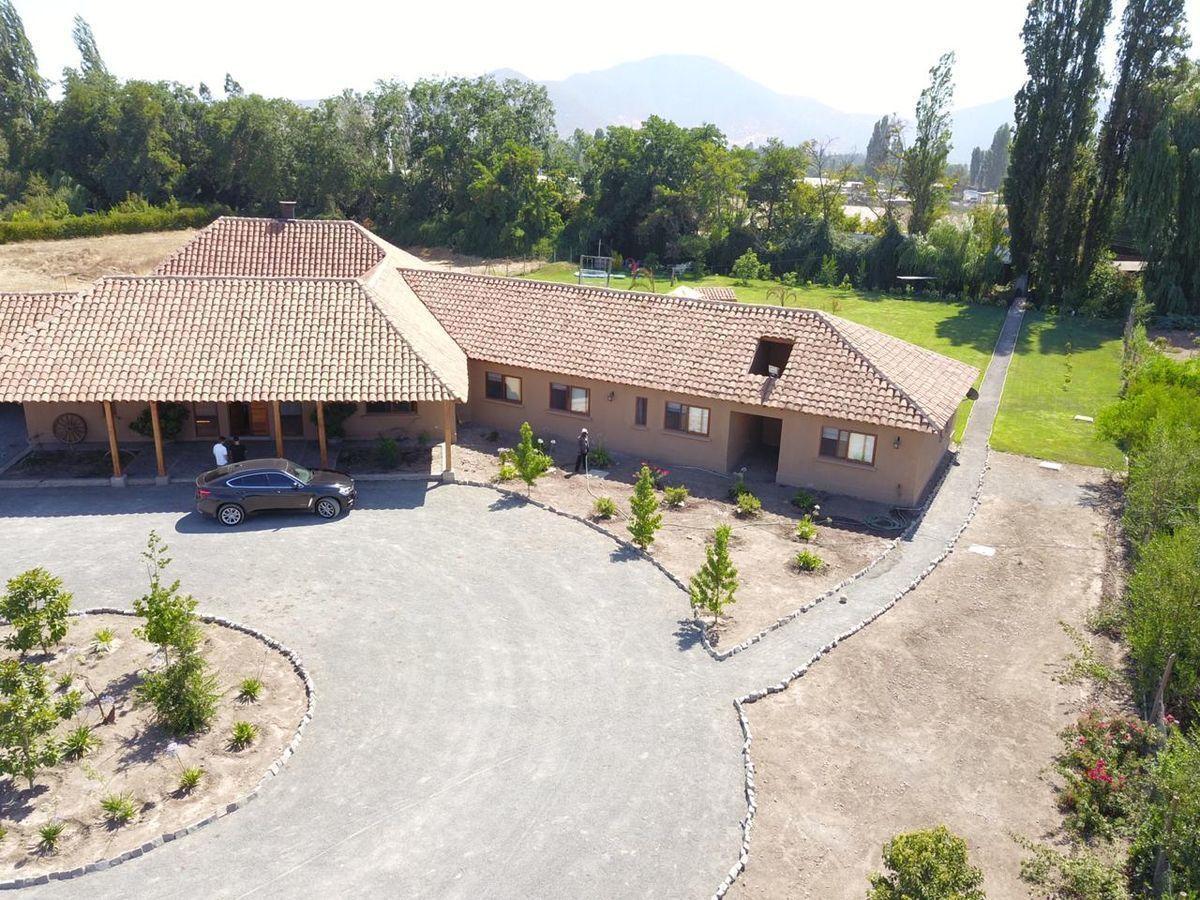 1 de 9: Vista aérea frontis casa