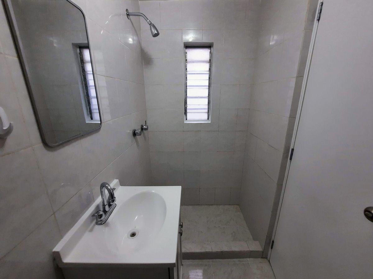 14 de 16: Baño principal