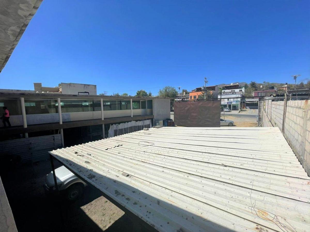 9 de 10: Vista hacía patio de maniobras desde el segundo nivel.