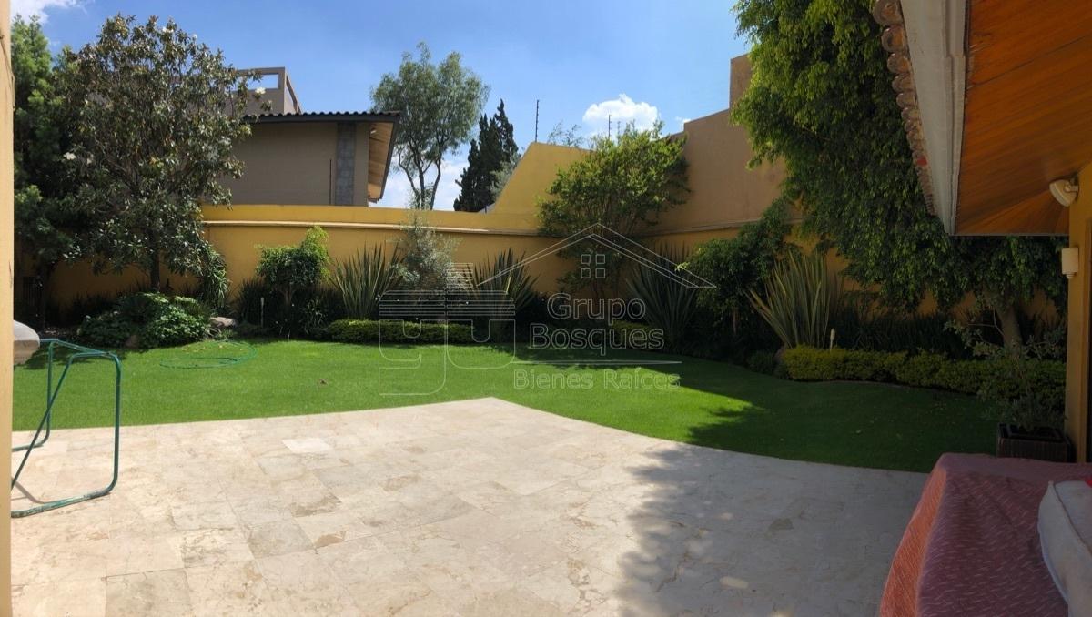 3 de 40: Casa renta bosques de las lomas jardin