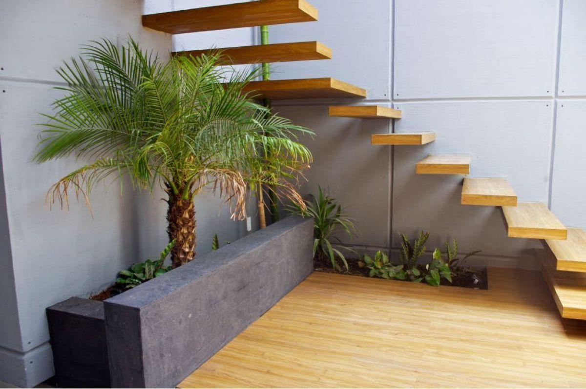 1 de 8: Escalera de arquitectura moderna