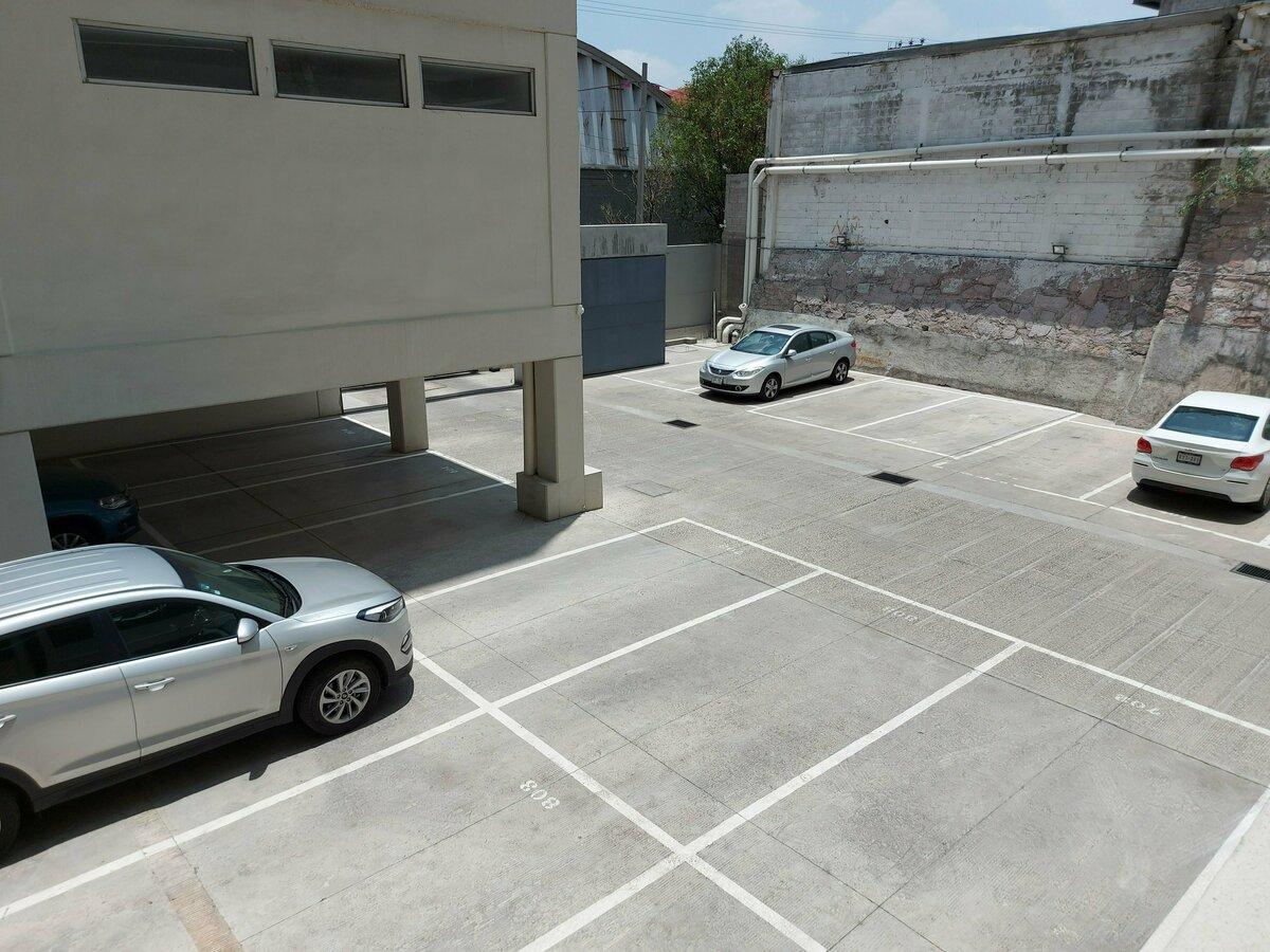 9 de 20: 2 lugares de Estacionamientos