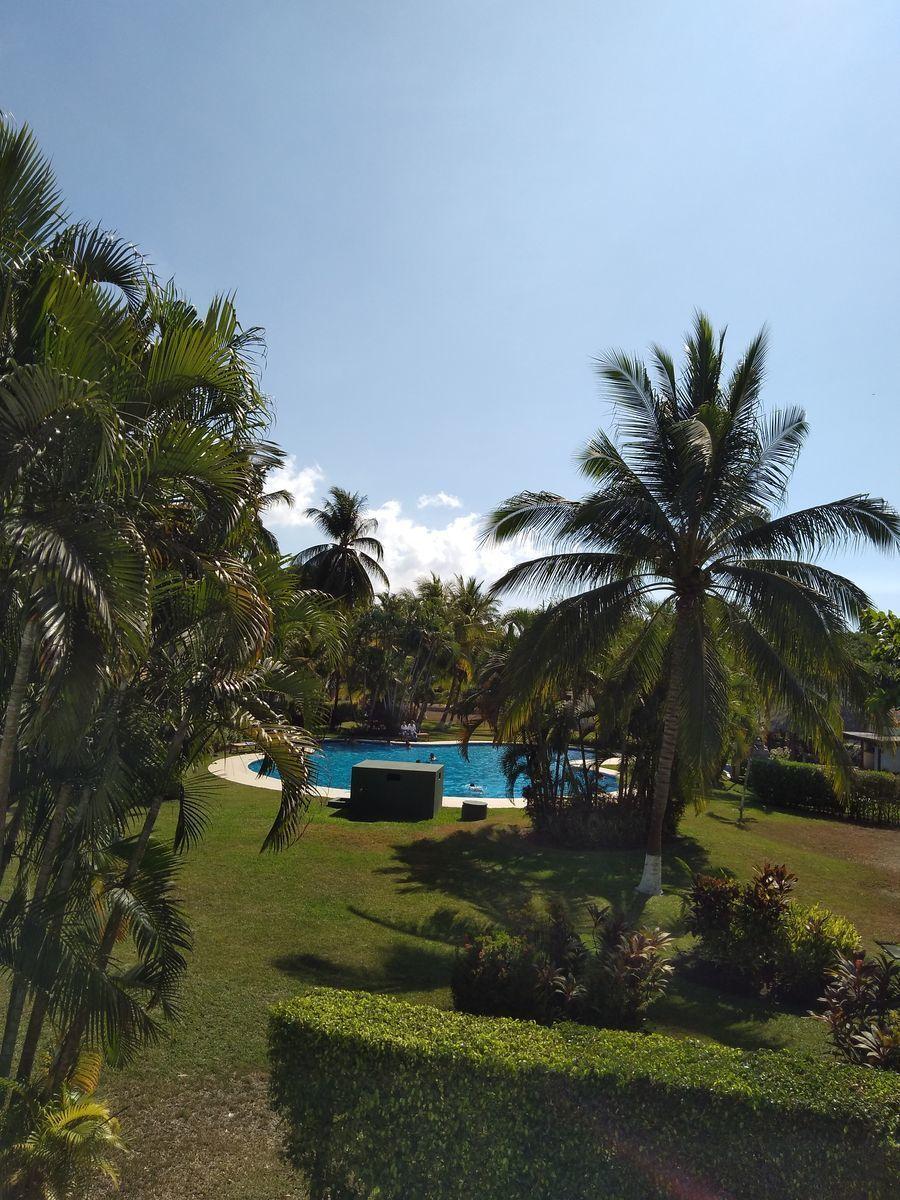 21 de 26: Vista del balcon, piscina comunal