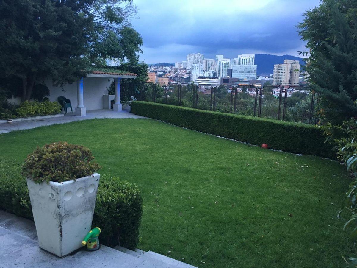 17 de 19: Jardín