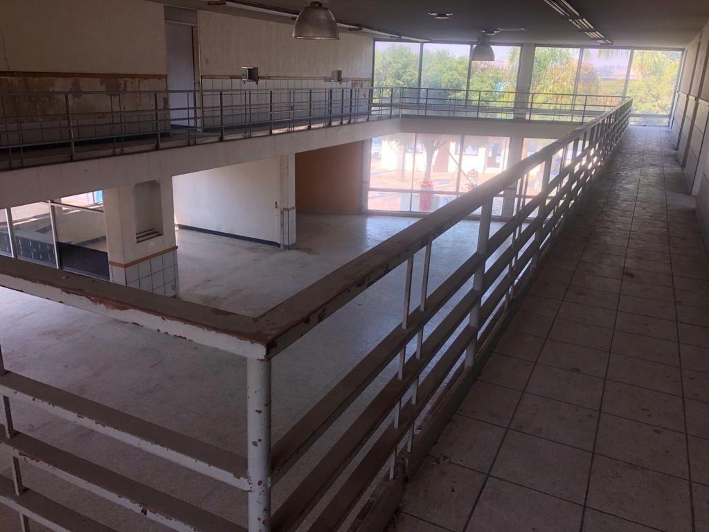 3 de 4: Interior