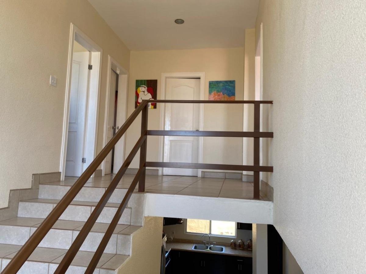 23 de 35: amplias escaleras