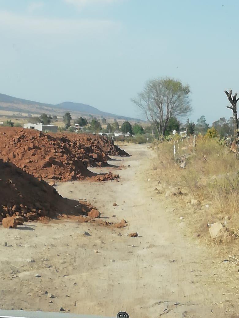 2 de 18: Tepetate para nivelación de terraceria