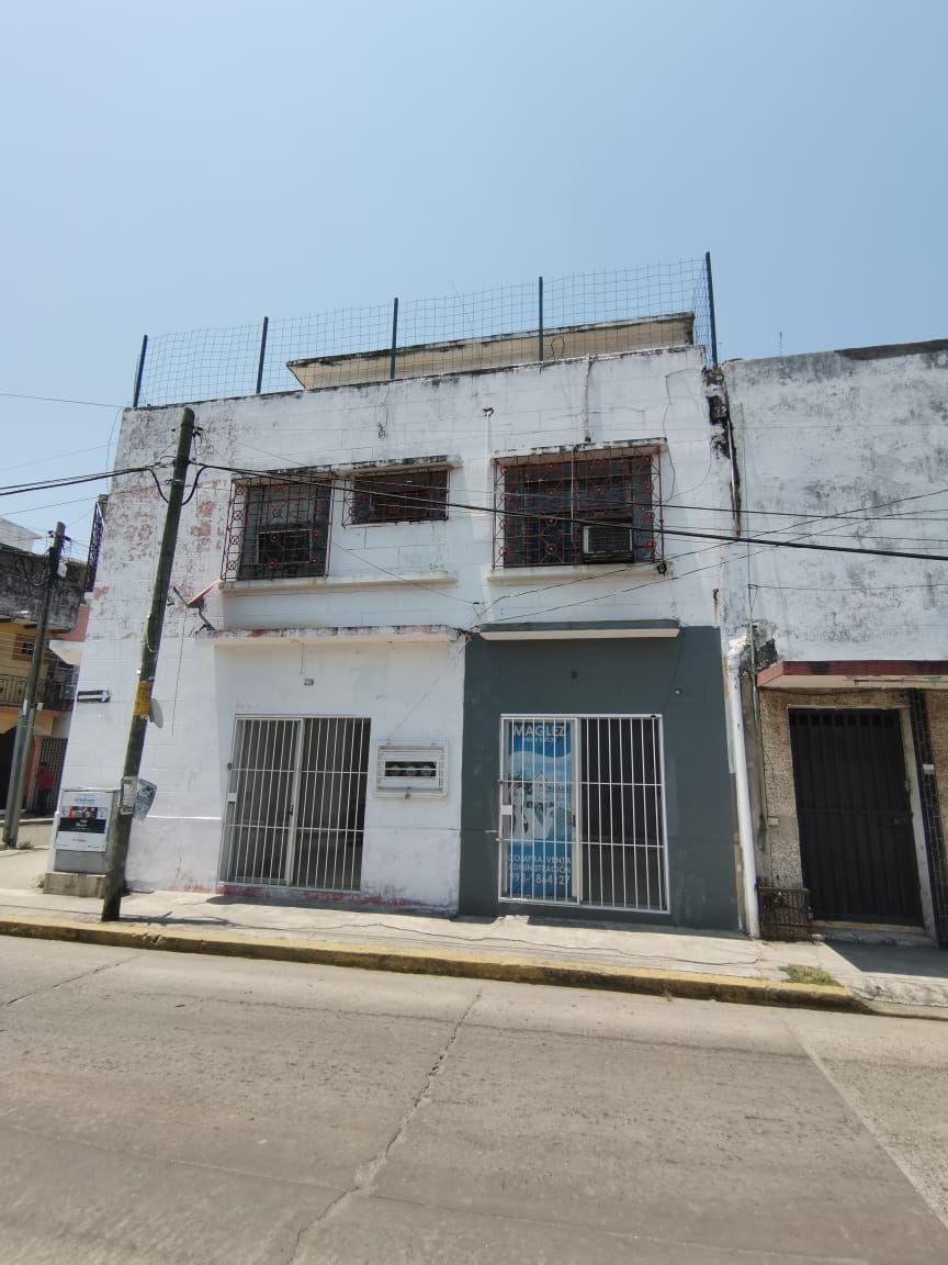 9 de 18: Fachada calle Juan Alvarez