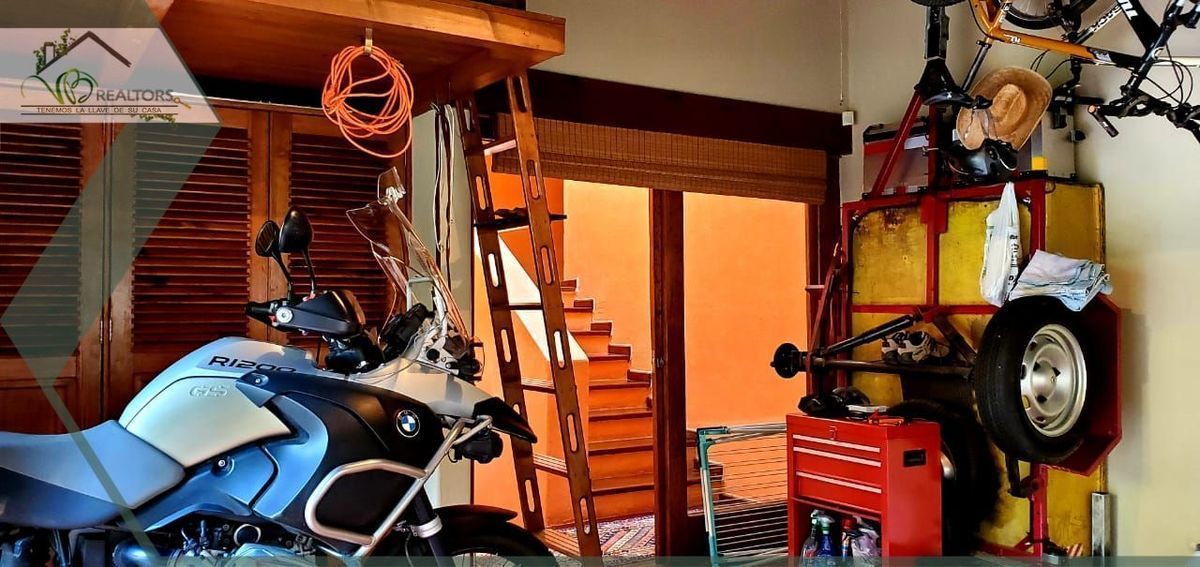 29 de 31: Garage cubierto, multifuncional www.vbrealtors.net