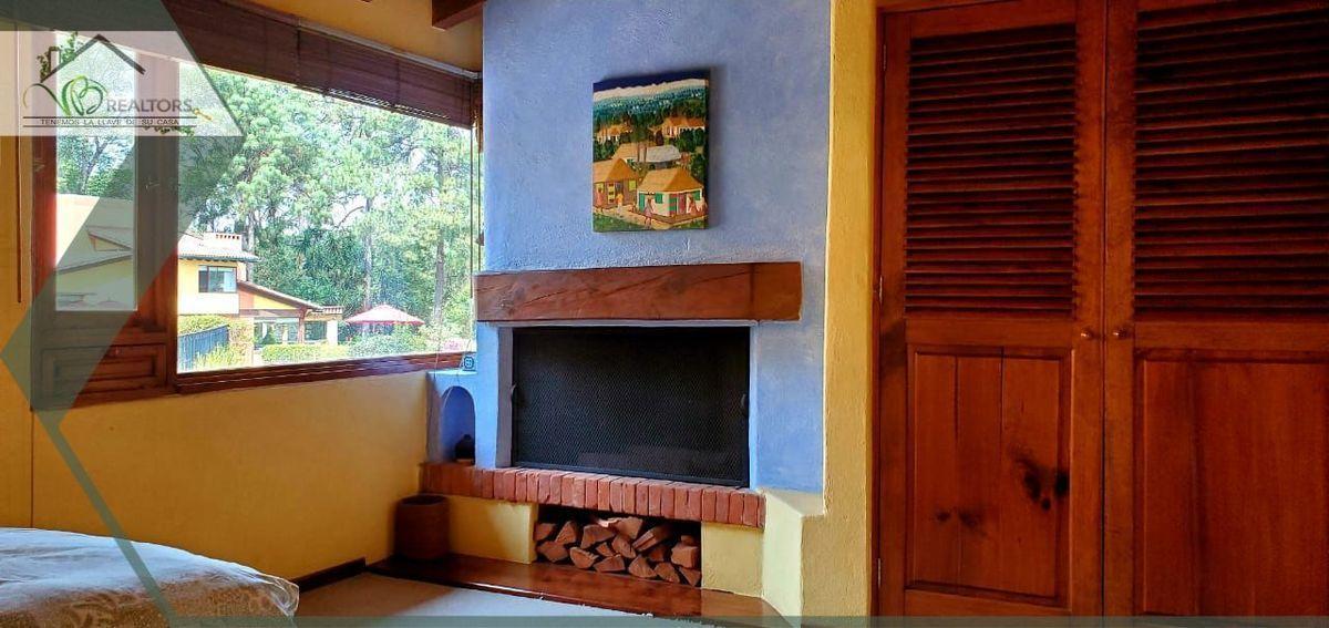 27 de 31: Chimenea y closets recámara www.vbrealtors.net