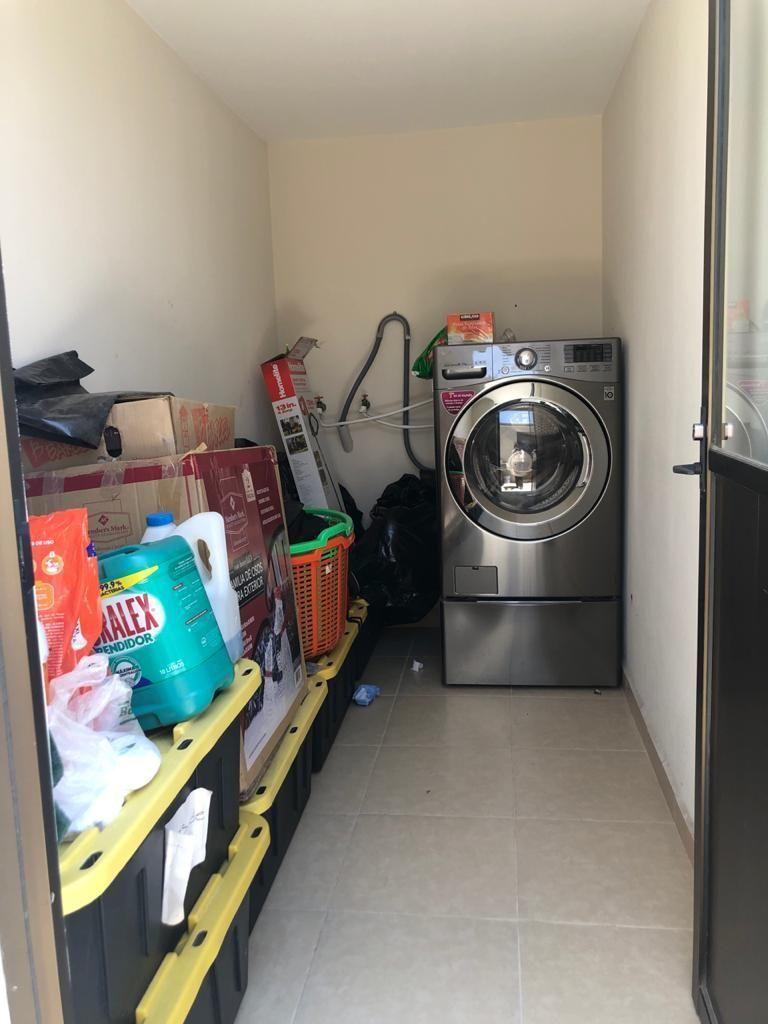 21 de 21: Aréa de lavado y bodega