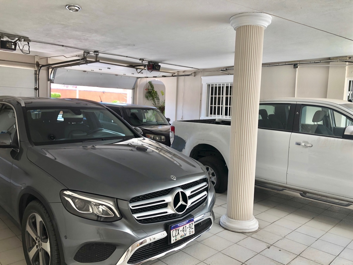 25 de 26: Garage para 4 autos