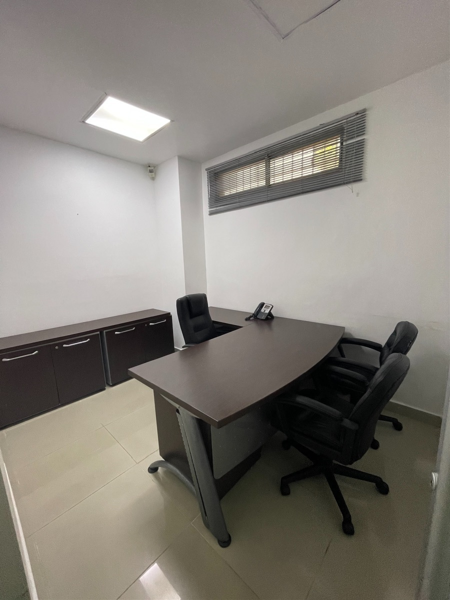 13 de 22: Oficina privada