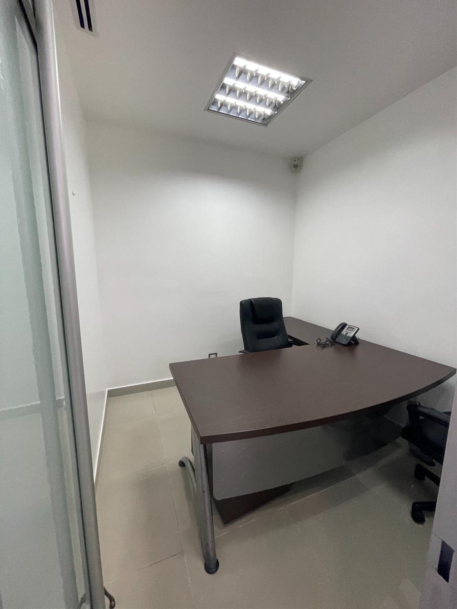 14 de 22: Oficina privada 2