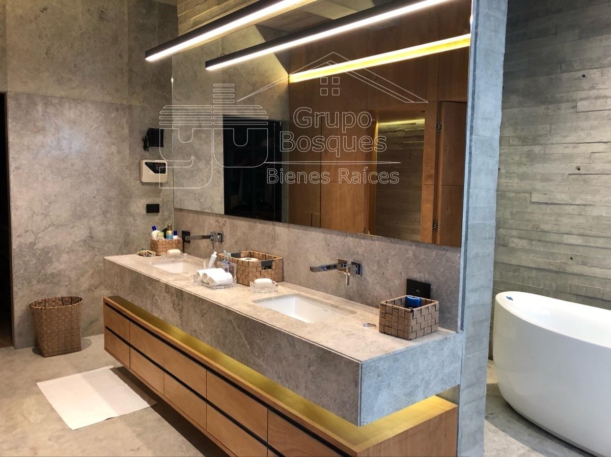 29 de 49: baño principal con tina y sauna Vista horizonte interlomas