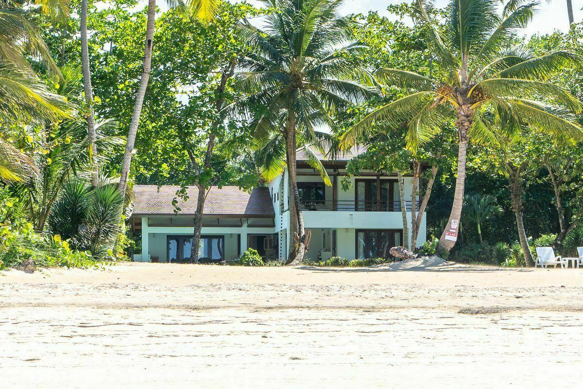 1 de 36: Vista desde la playa