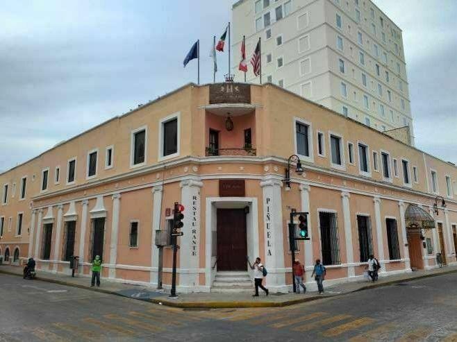 2 de 11: LOCAL COMERCIAL RENTA CENTRO HISTORICO MÉRIDA CHICHEN REALTY
