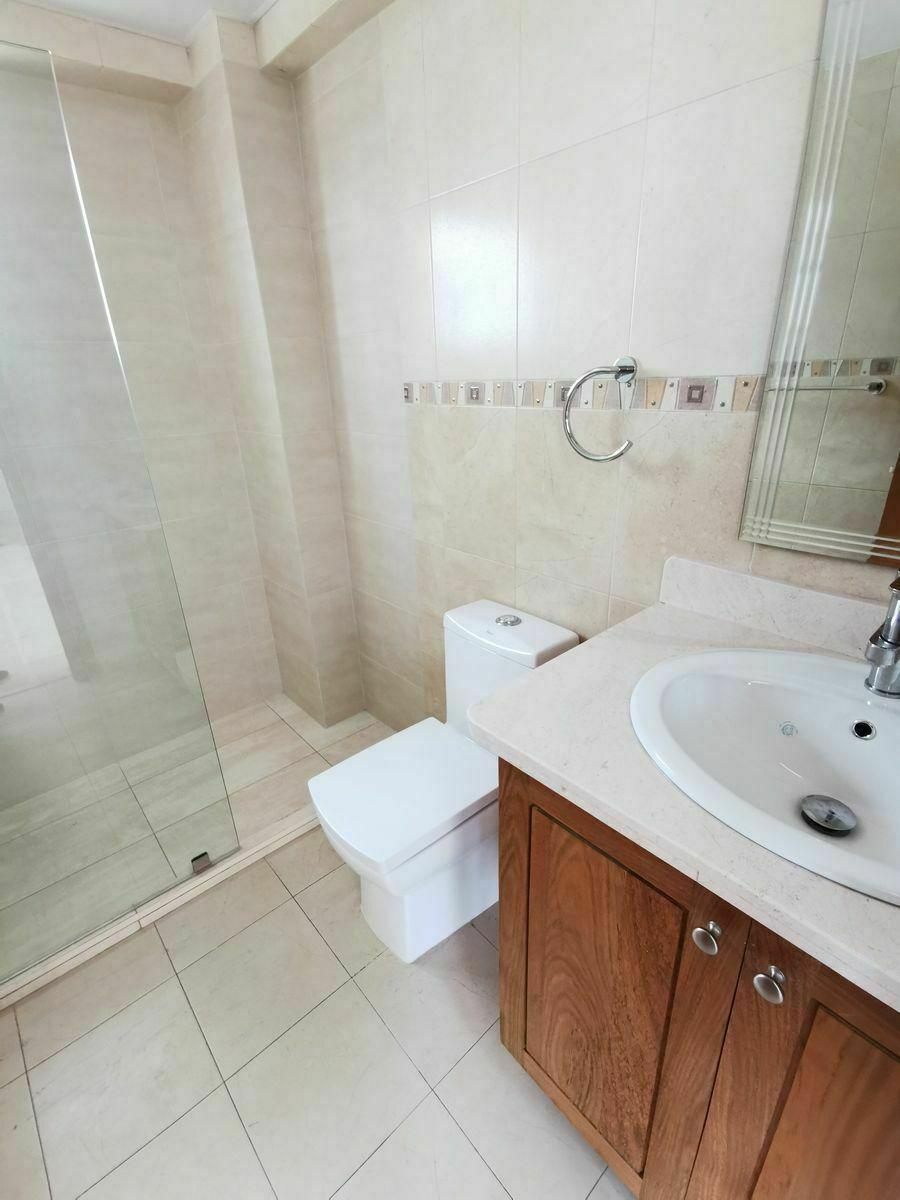 10 de 35: Baño de habitacion primer nivel