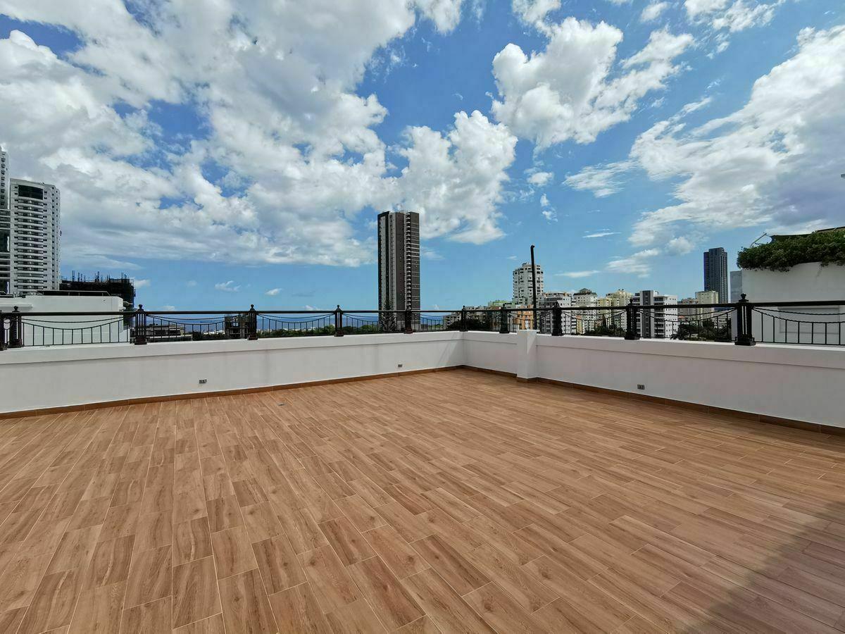 1 de 35: terraza en 3er nivel