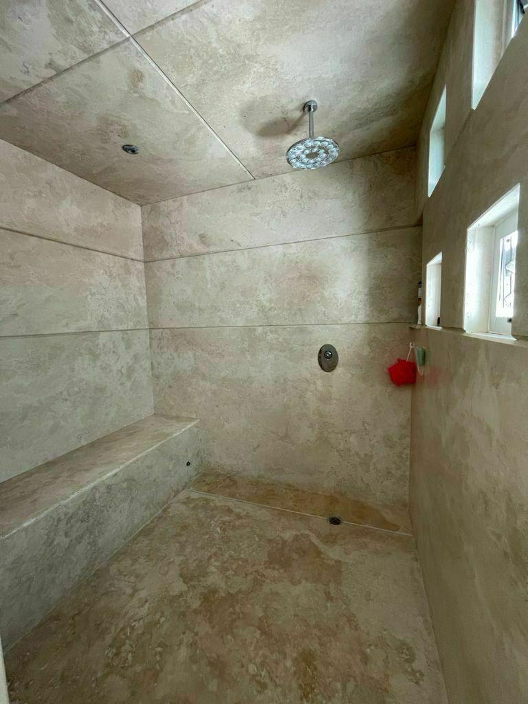 35 de 51: Regadera tipo sauna recámara principal