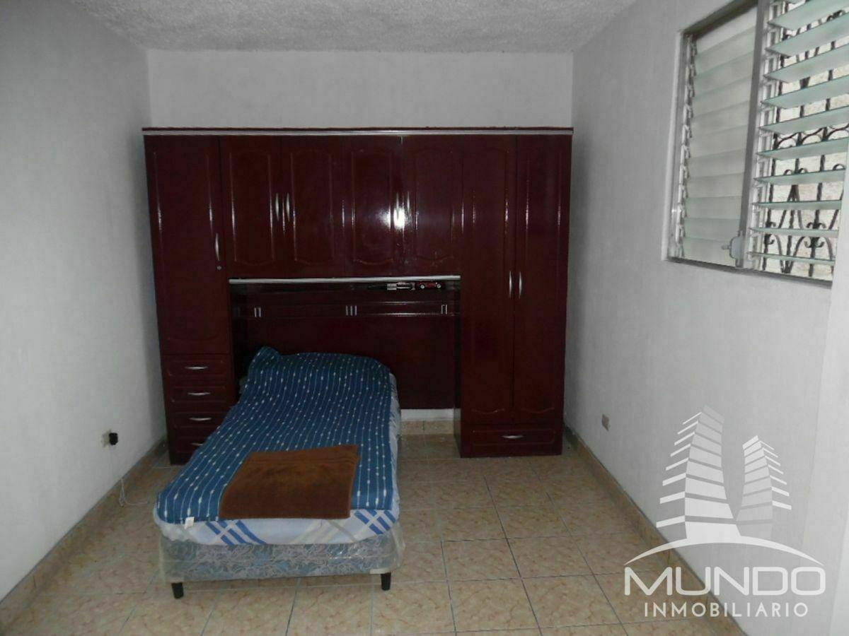12 de 16: Habitación del  segundo nivel con baño propio