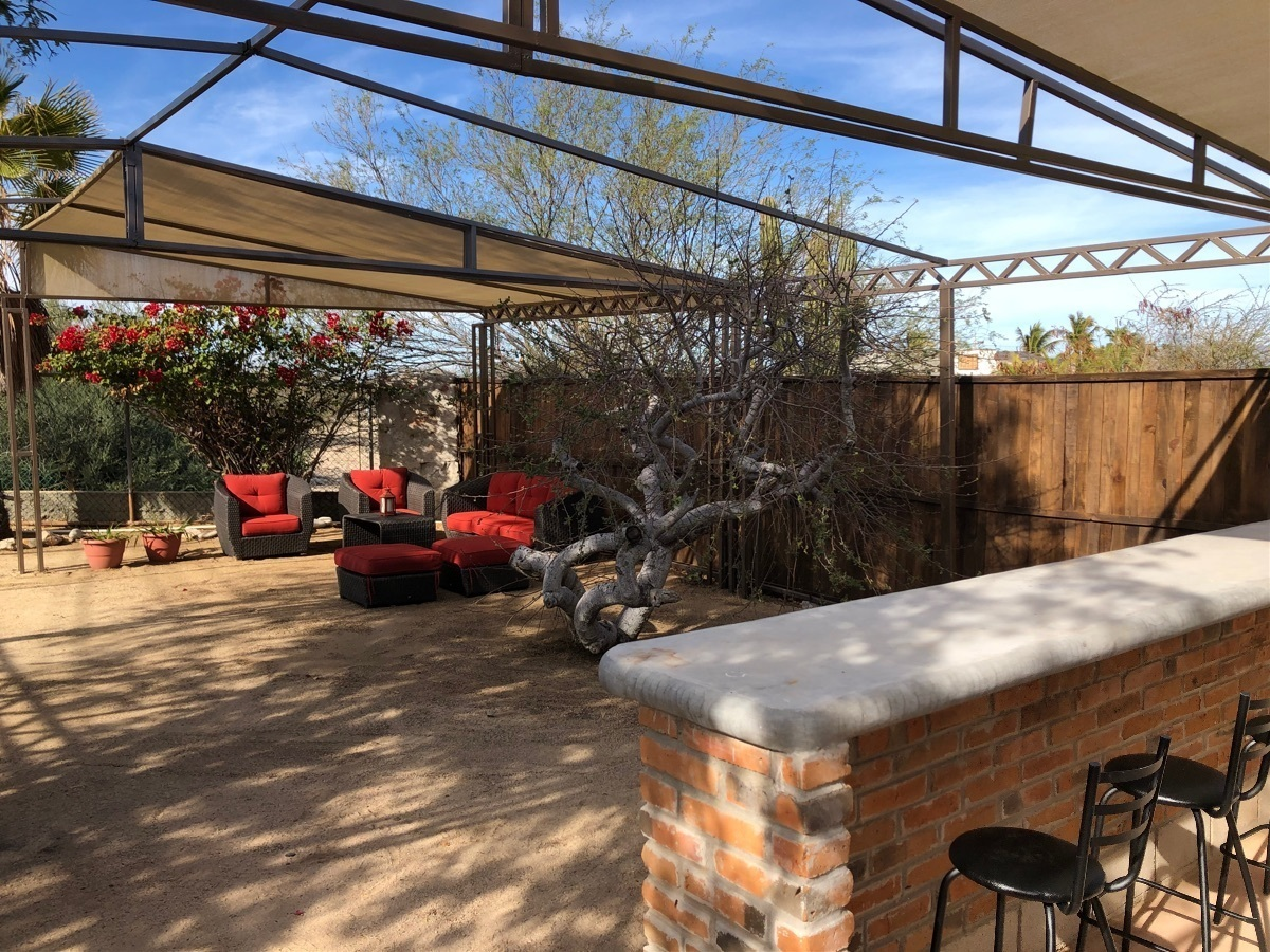 1 de 8: Amplio espacio área de patio.