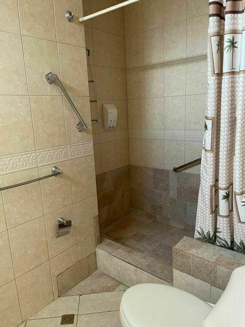 16 de 25: baño principal