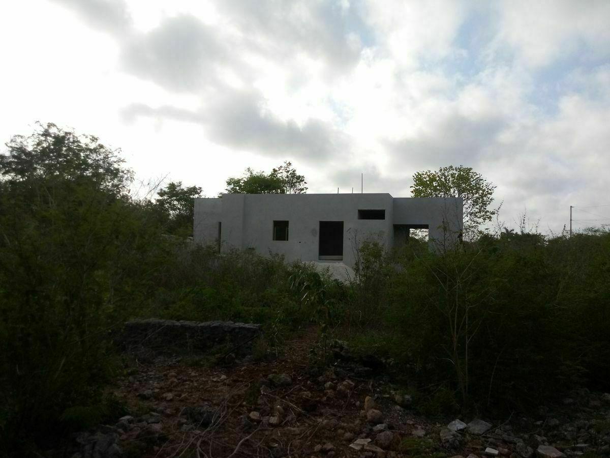 9 de 10: CONSTRUCCION EN FRENTE