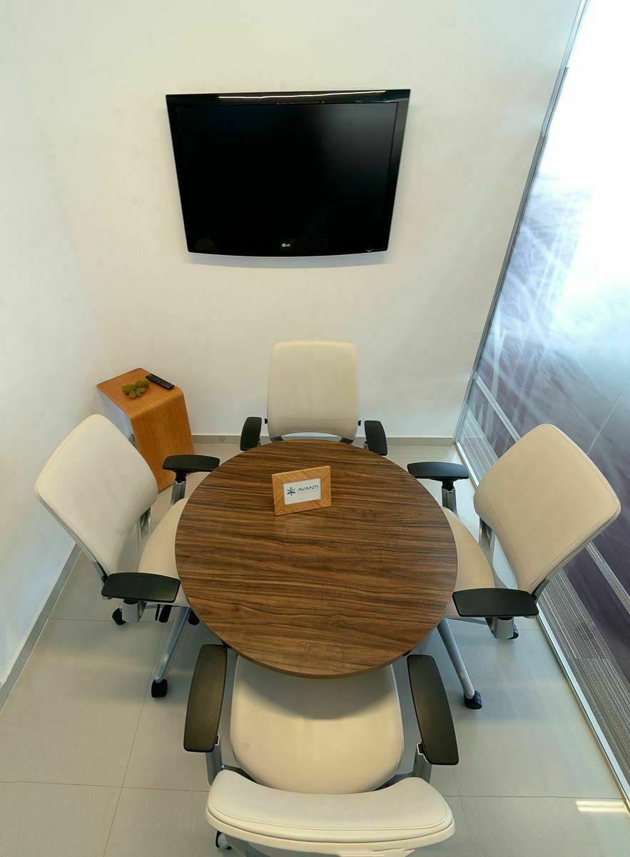 4 de 6: Sala de entrevistas para reuniones privadas