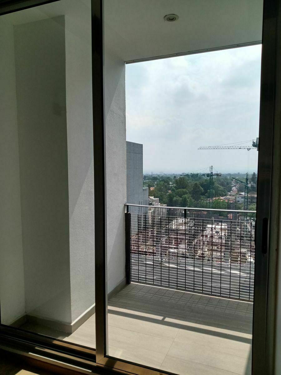 13 de 22: Balcón