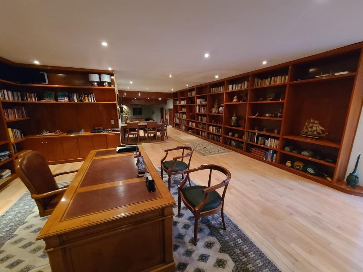 16 de 27: biblioteca