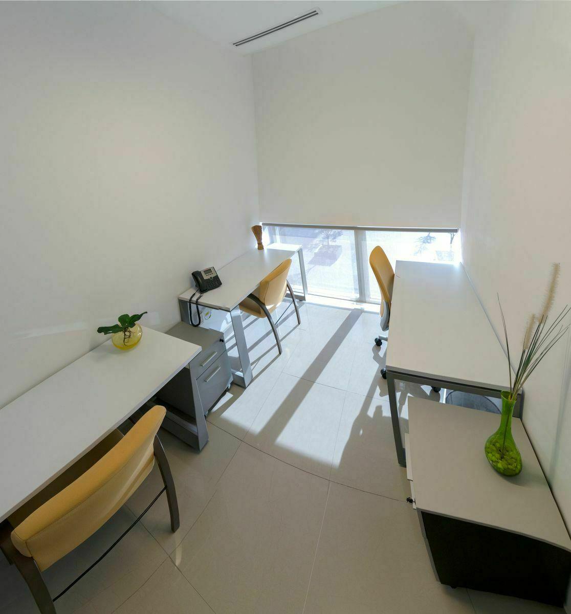 1 de 6: Adaptamos la oficina con el mobiliario que requieras