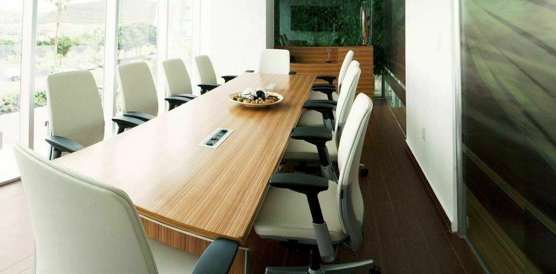 3 de 6: Sala con capacidad para 10 personas