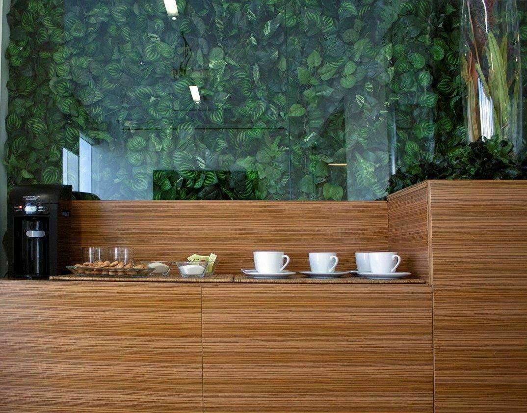 4 de 6: Solicita tu servicio de coffee break en la sala de juntas