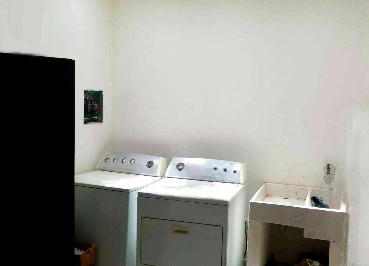 7 de 22:  Area de lavanderia