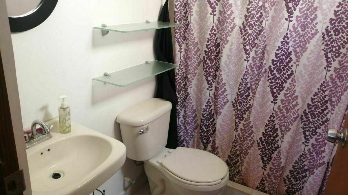 18 de 22: baño privado de recamara principal planta alta