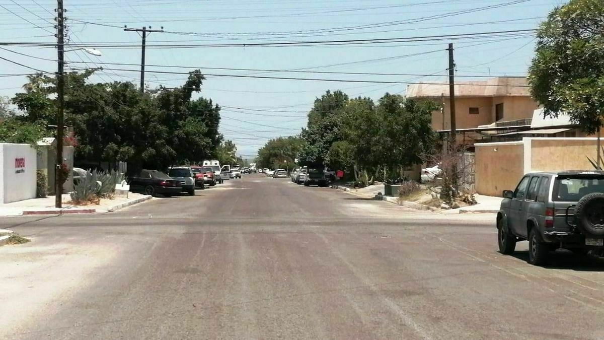 22 de 22: calle principal donde se ubica la casa.