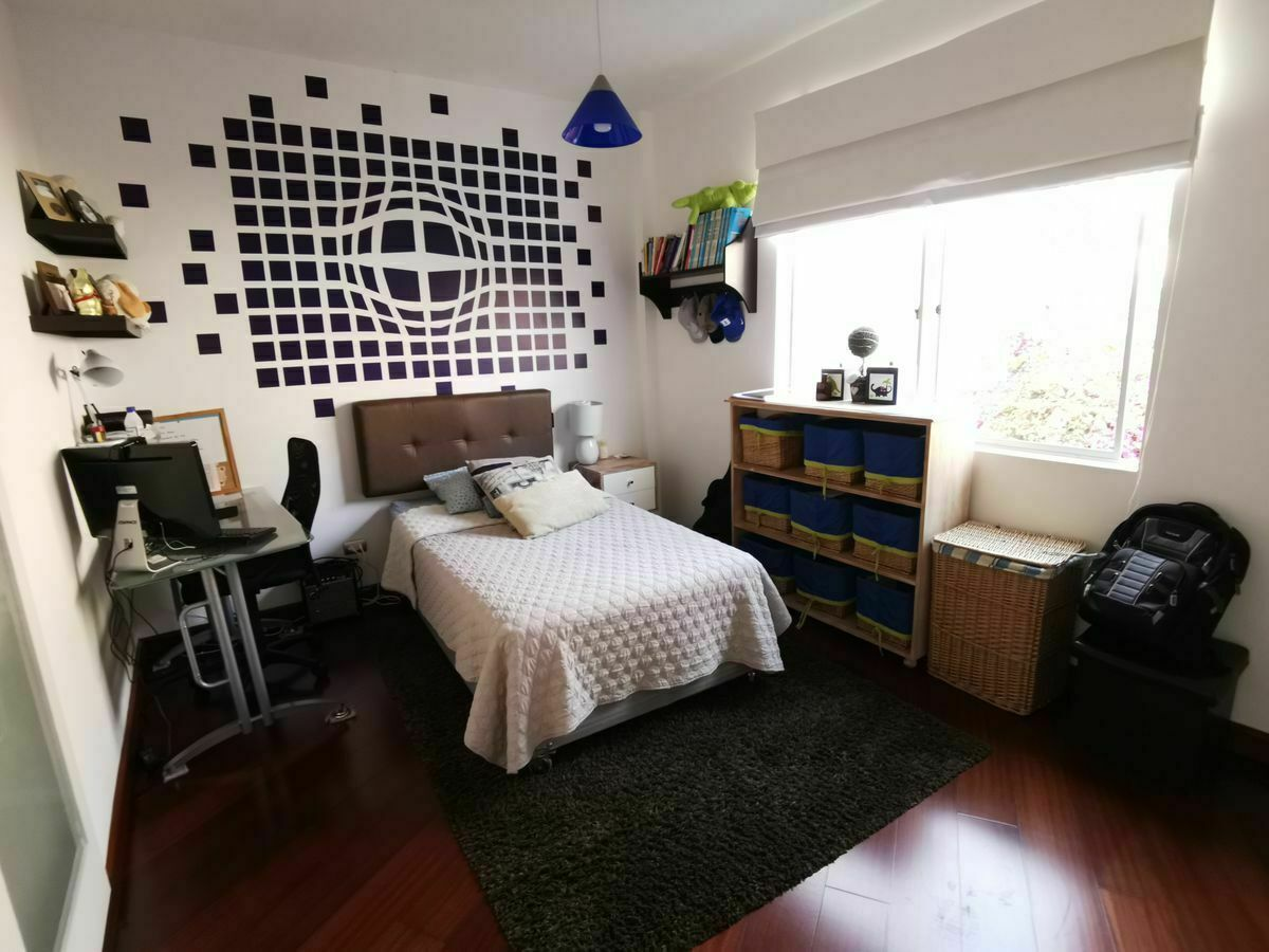 16 de 36: Dormitorio secundario de buen tamaño con closet de pared