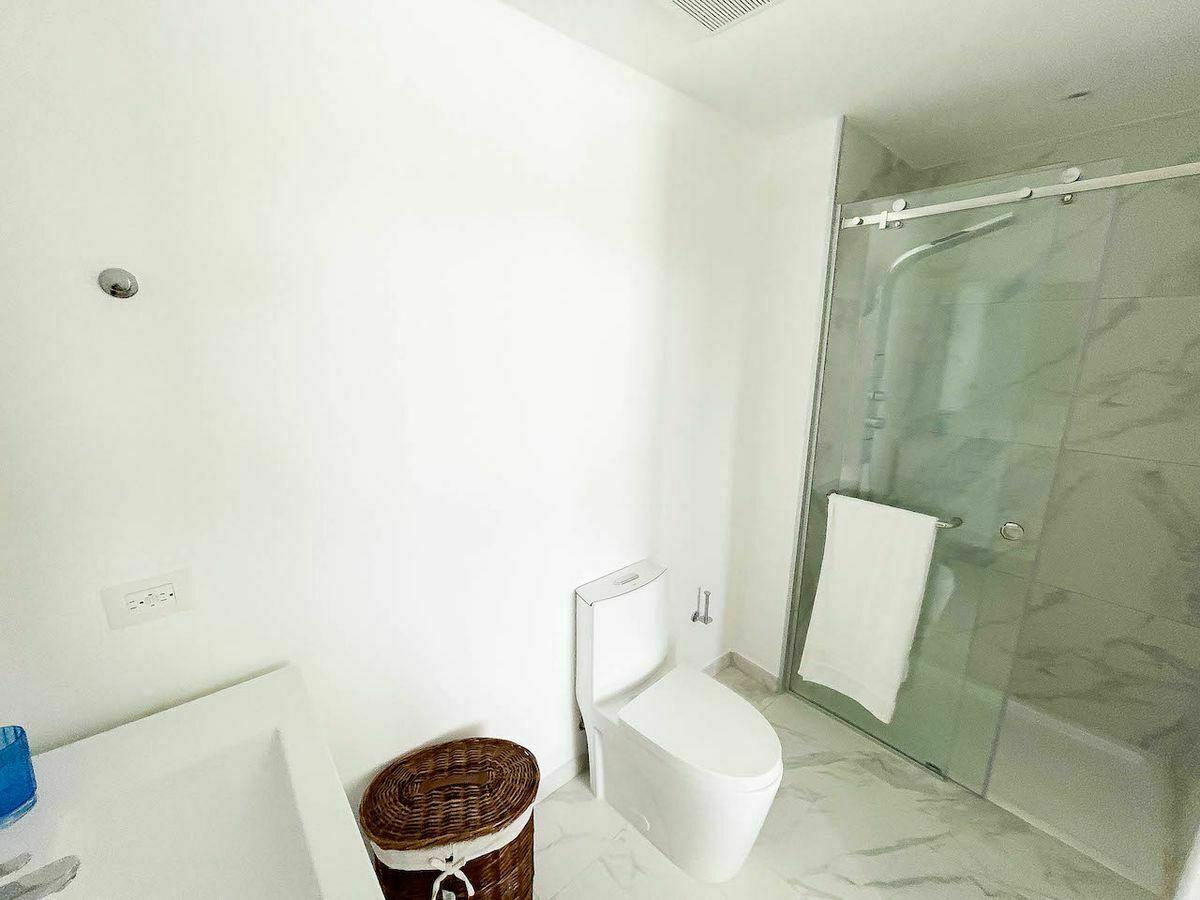 10 de 16: Baño Habitación principal. Imagen física