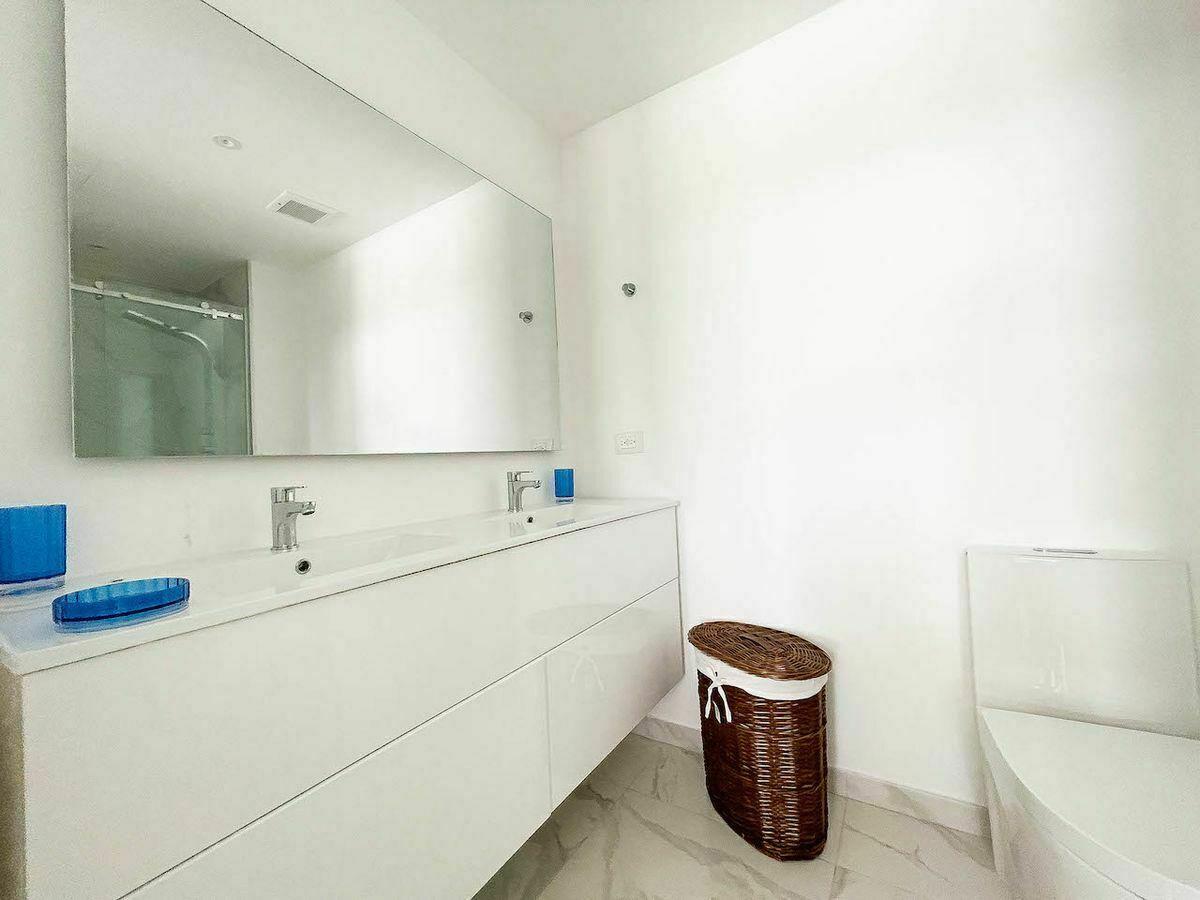 9 de 16: Baño Habitación principal. Imagen físicia