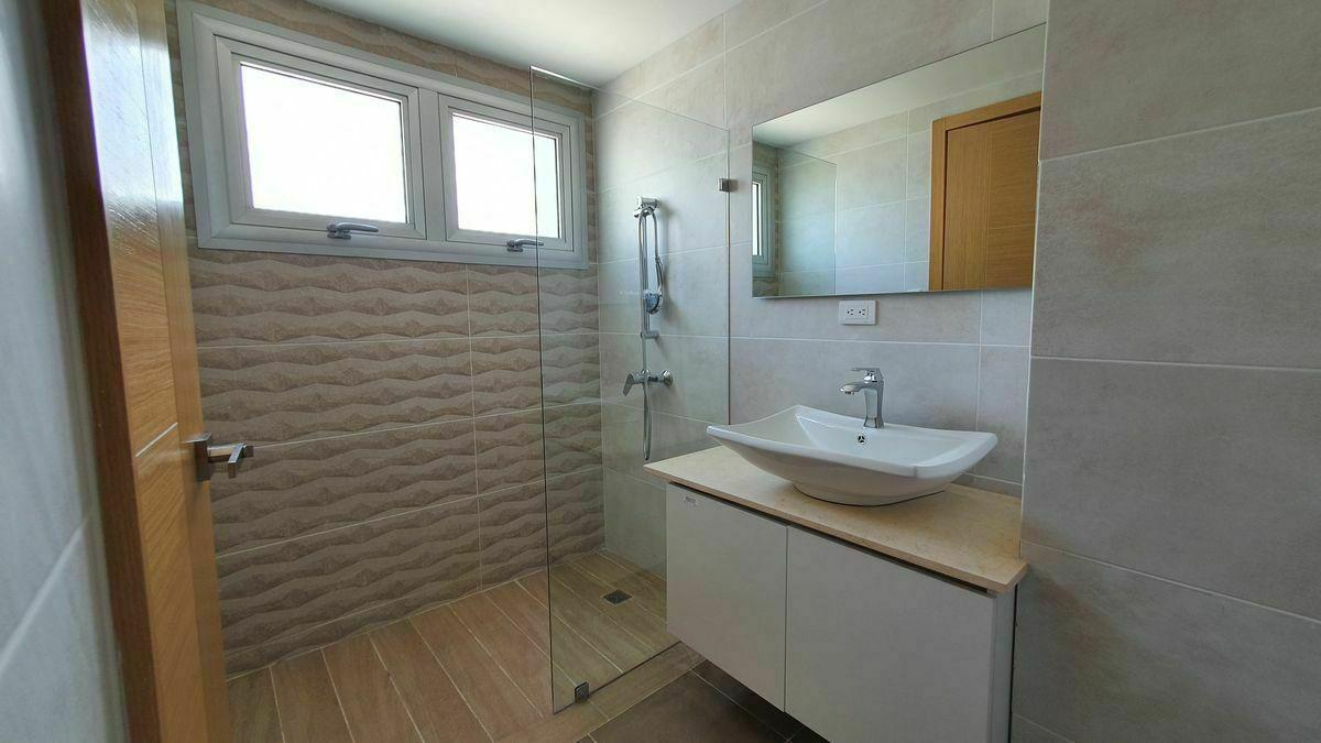 7 de 44: Baño habitacion principal