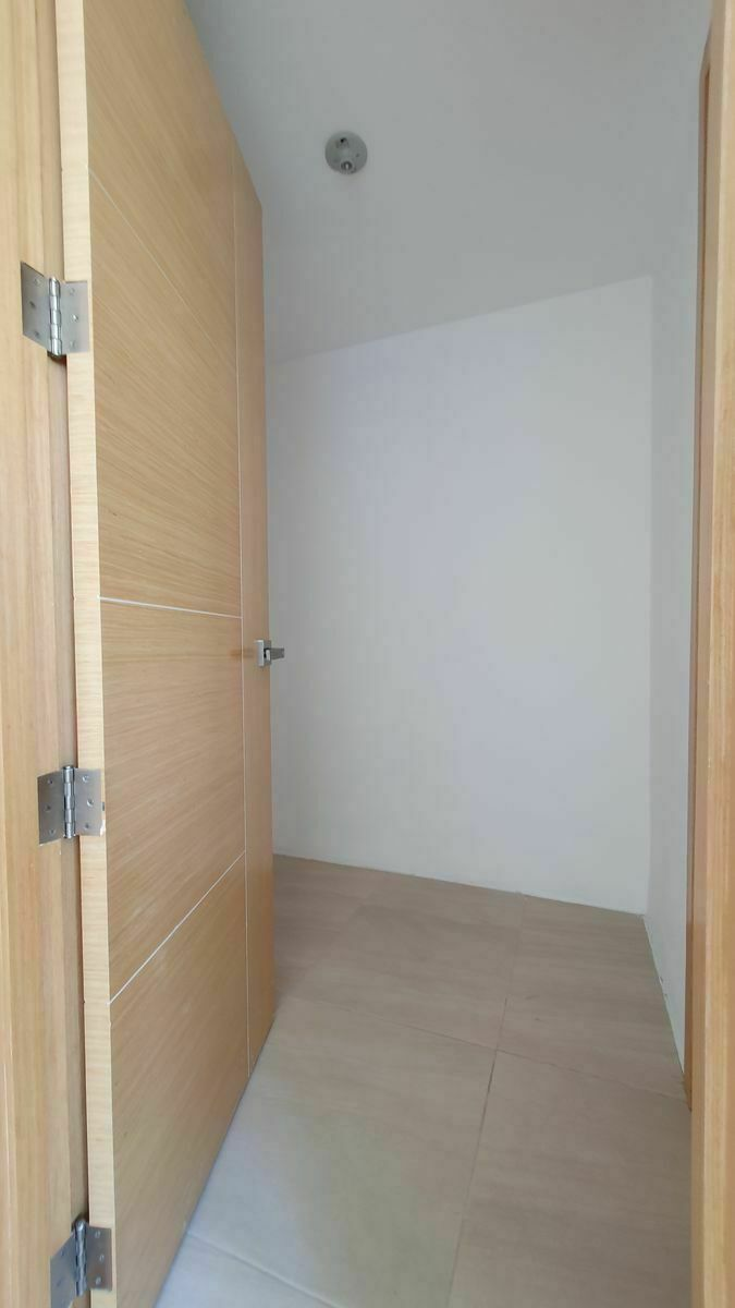 20 de 44: Closet Hab 2
