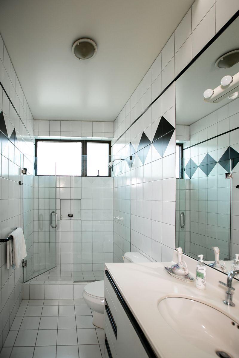 35 de 50: Baño secundario family room.