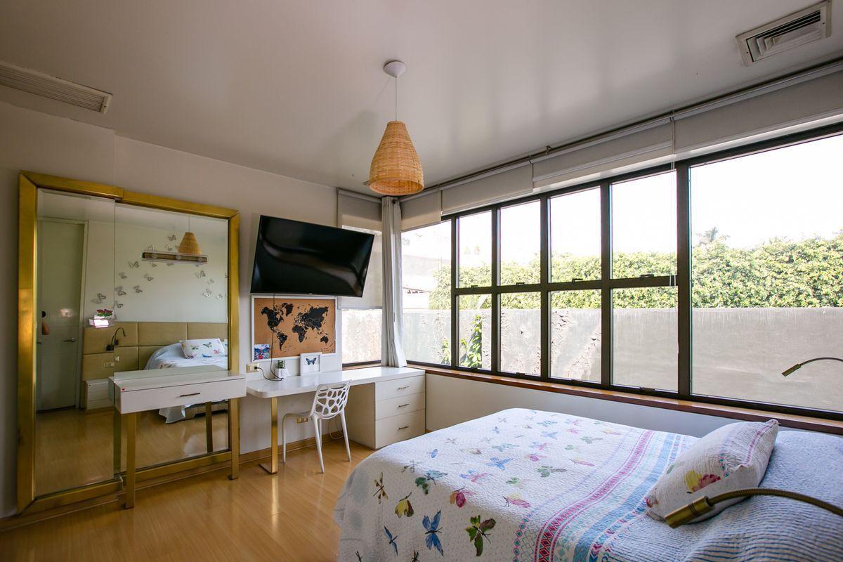 27 de 50: Dormitorio secundario 1.
