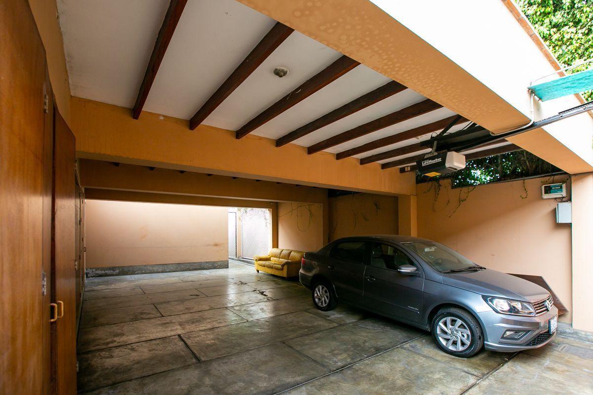 35 de 43: Garage.
