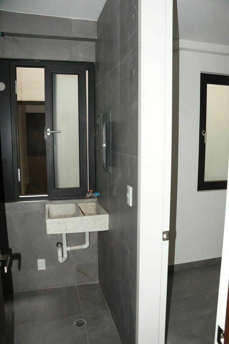 30 de 32: Area de lavado, dentro del departamento.